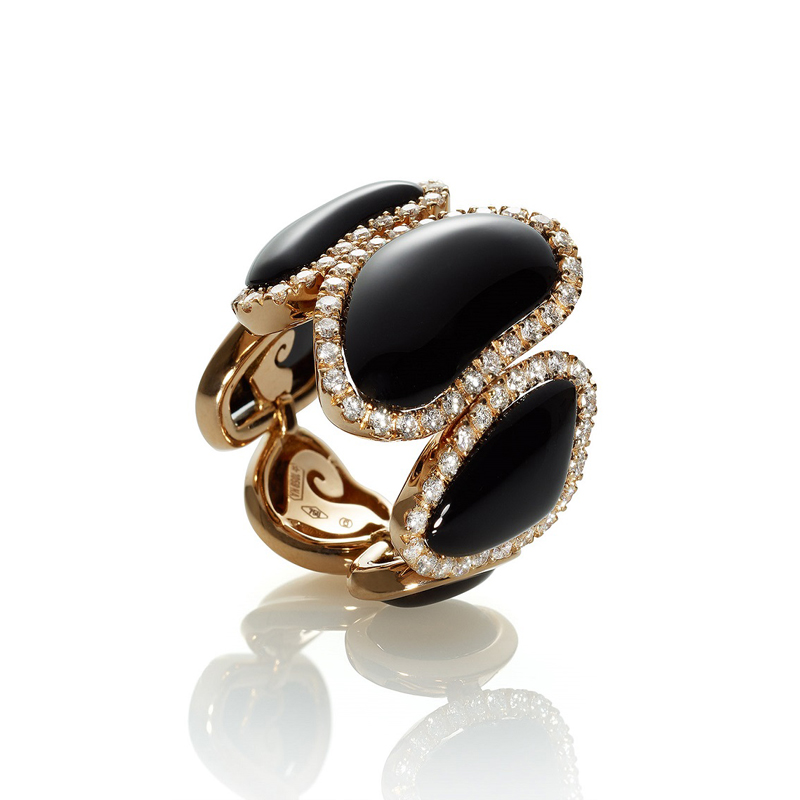 Band ring in pink gold, five onyx elements and white diamonds