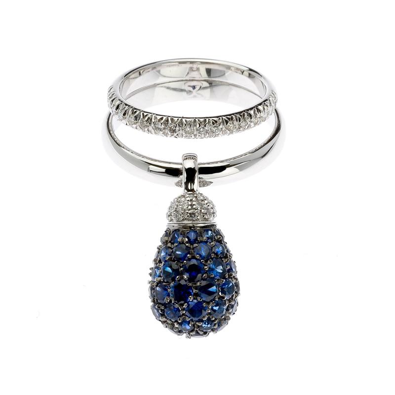 Anello in oro bianco, diamanti e zaffiri blu
