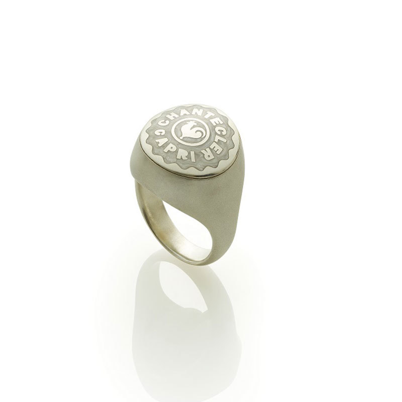 Little chevalier ring