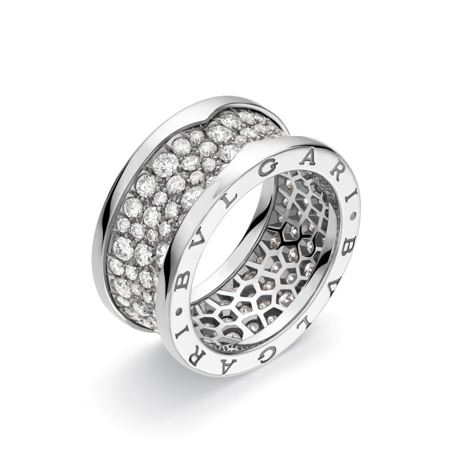 Ring in white gold with diamonds pavè