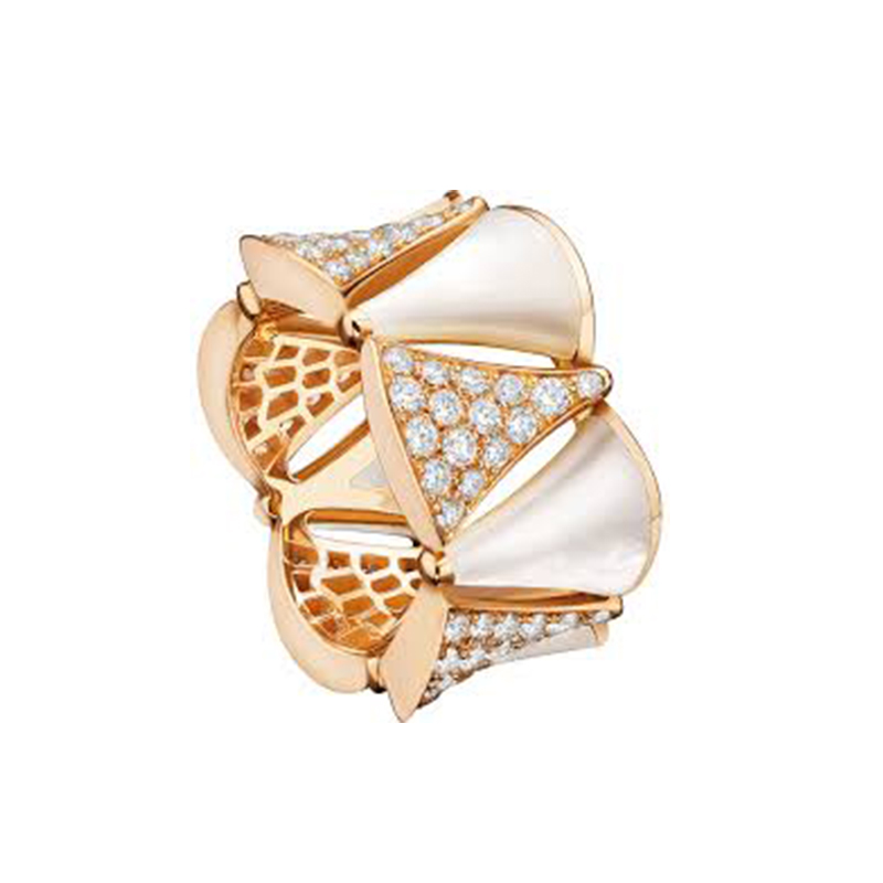Ring in pink gold with mother of pearl and diamonds