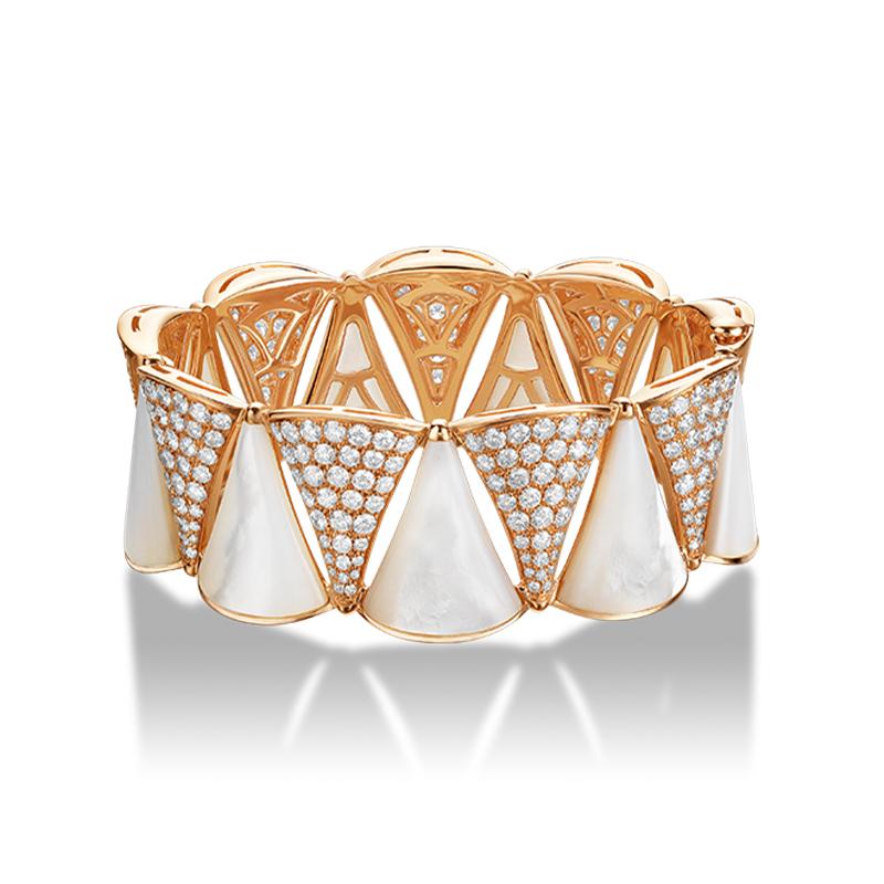 Bracciale in oro rosa con madreperla e diamanti