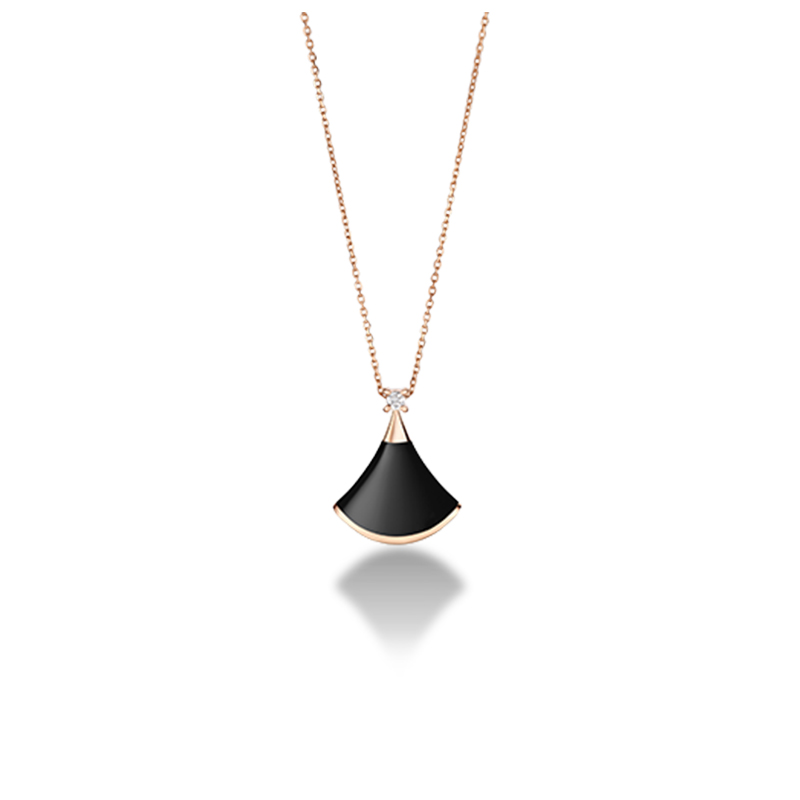 Pink gold necklace with onyx and diamonds