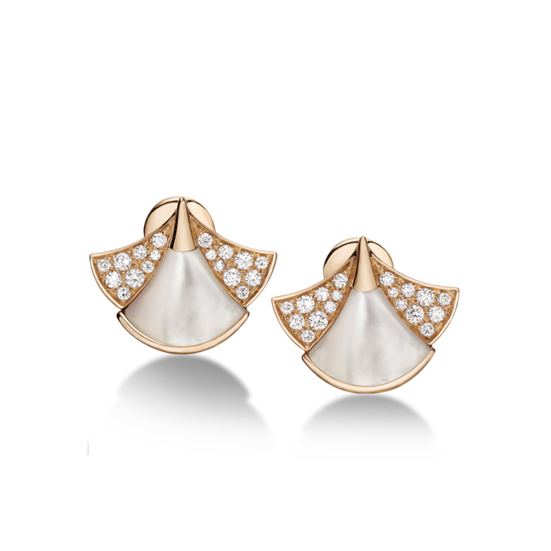 Pink gold earrings with mother of pearl and diamonds