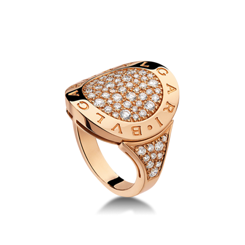 Pink gold ring with diamonds pavè