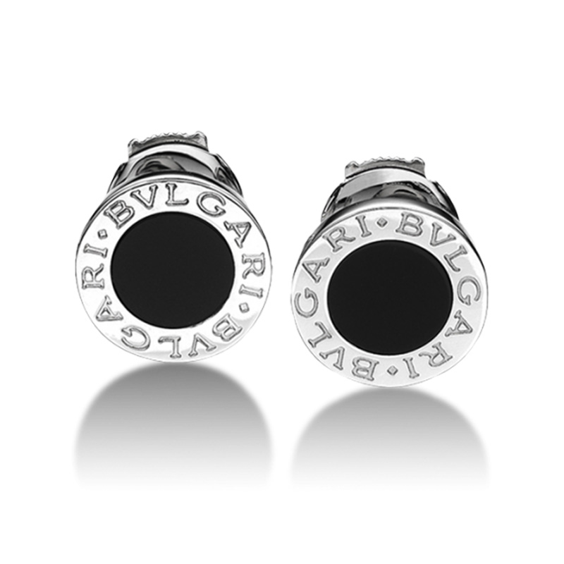 White gold earrings with black onyx