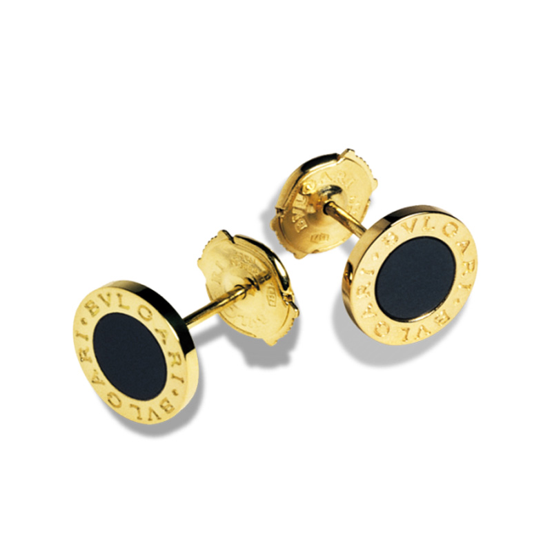 Yellow gold earrings with black onyx