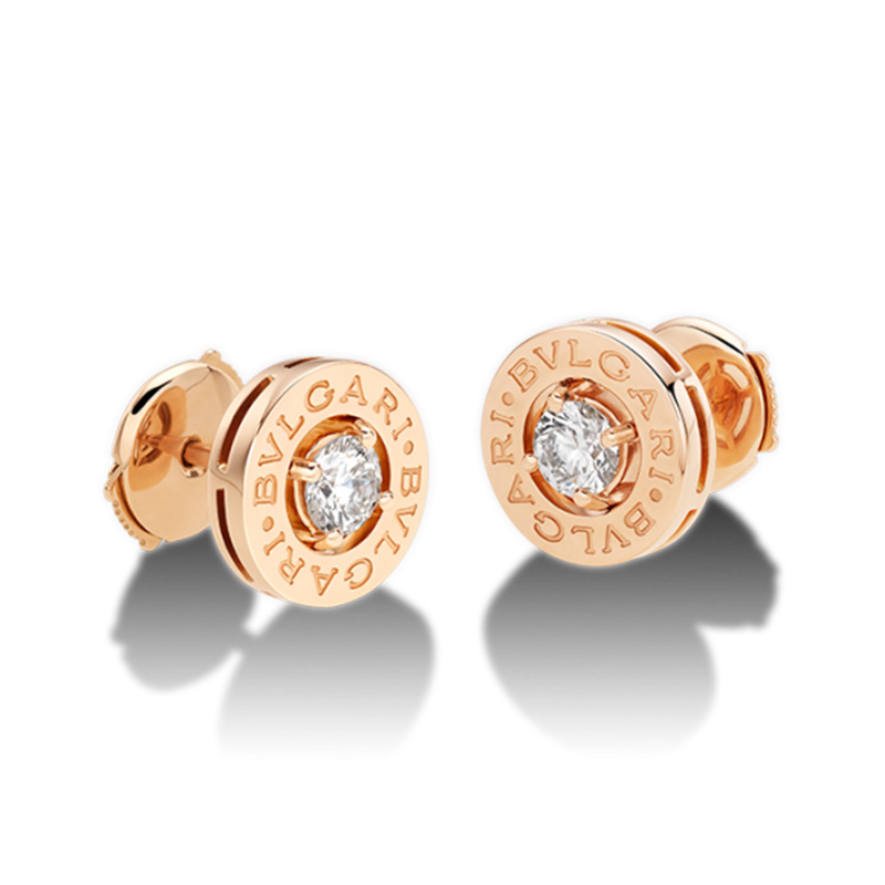 Pink gold earrings with diamond