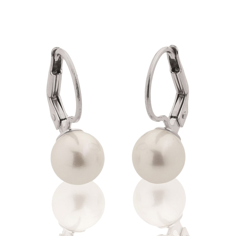 White gold earrings with pearls