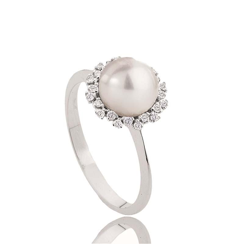 Anello in oro bianco con perla e diamanti